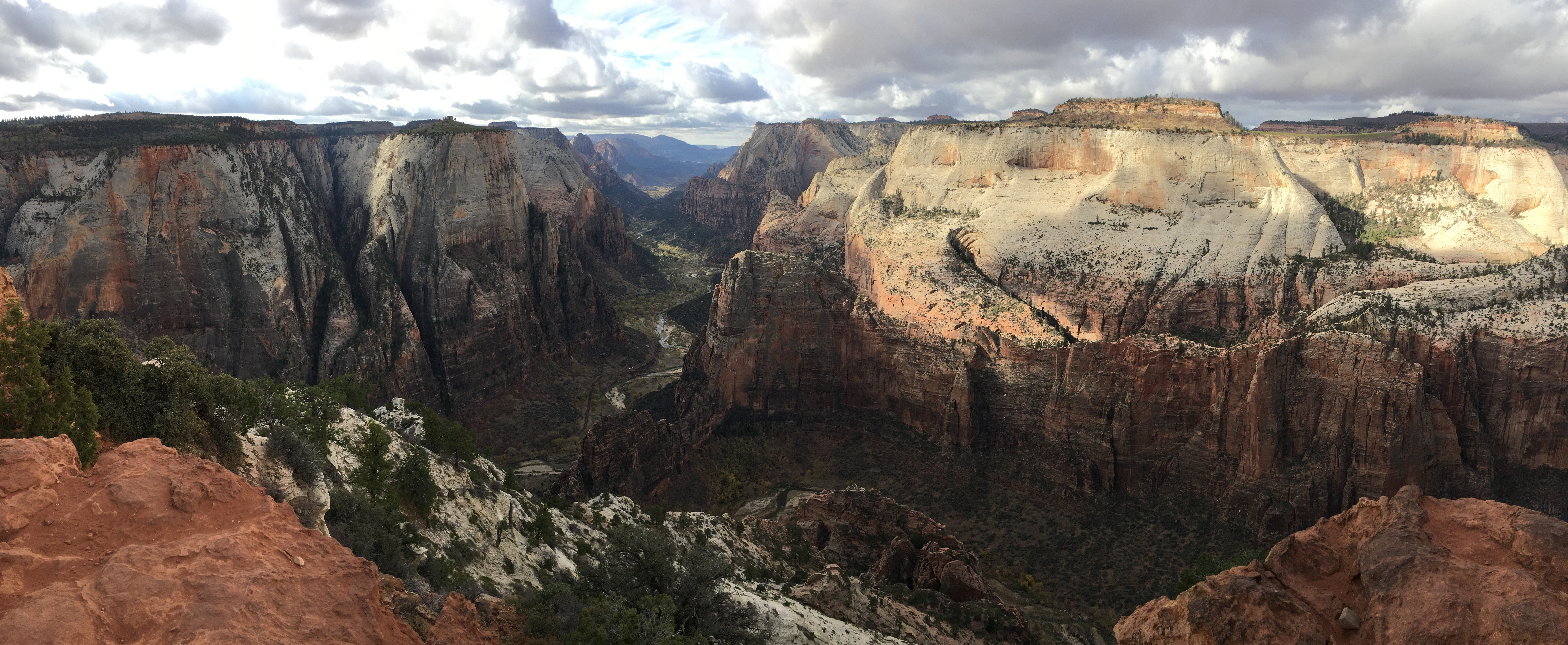 Observation Point, Zion National Park – Pictures, Maps & Tips