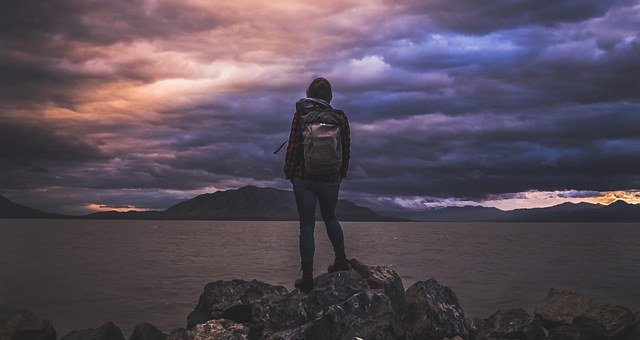 6 Ways to Cope with Stress When You are Traveling Alone